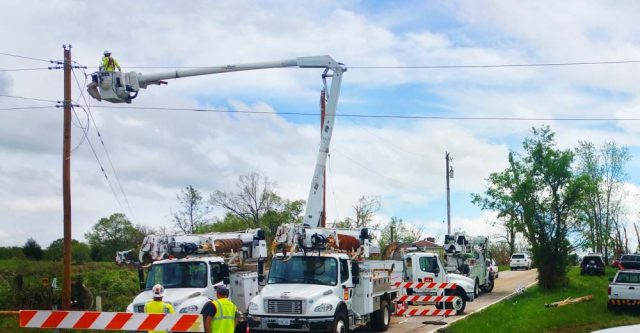 Rogersville Missouri fixing power outages.
