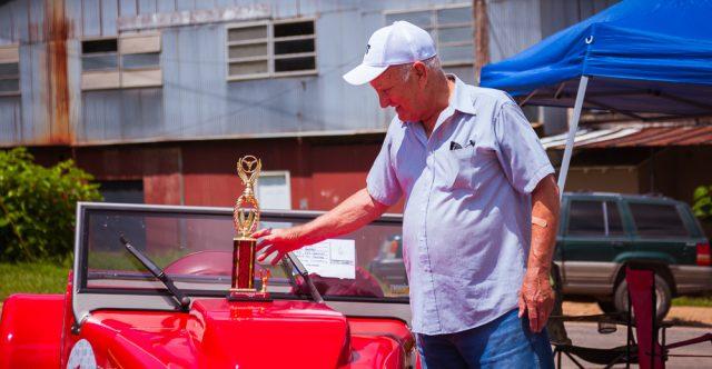 Mr. Shehorn, second place winner.