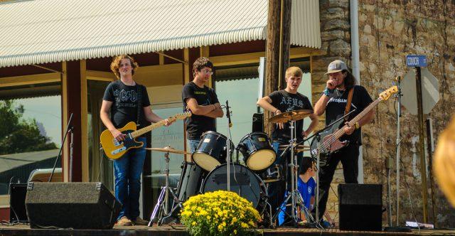 An Alton school band.