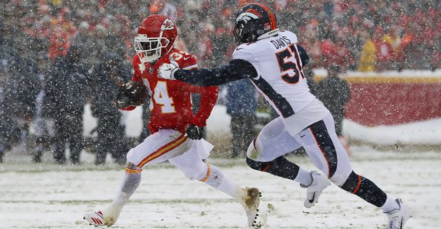KANSAS CITY, MO - DECEMBER 15: Denver Broncos inside linebacker Todd Davis (51) chases Kansas City Chiefs running back Darwin Thompson (34) during a run in the second quarter of an AFC West game between the Denver Broncos and Kansas City Chiefs on December 15, 2019 at Arrowhead Stadium in Kansas City, MO. (Photo by Scott Winters/Icon Sportswire)